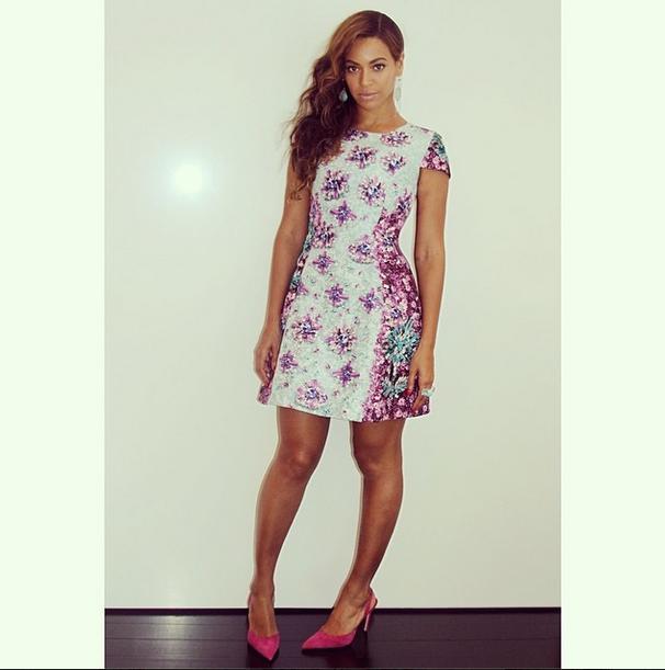 Beyonces-Instagram-Mary-Katrantzou-Floral-Printed-Techno-Dress-2