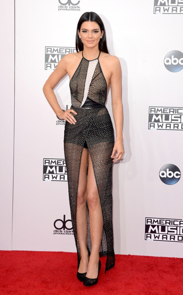 rs_634x1024-141123161646-634.kendall-jenner-american-music-awards-2014