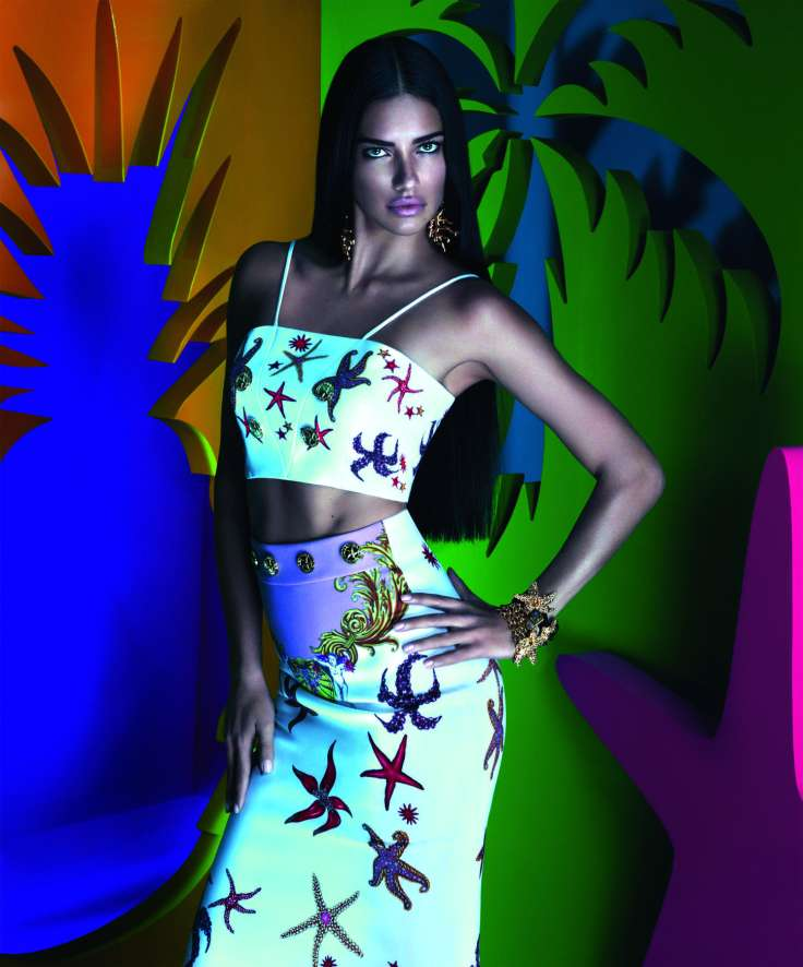 snapshot-adriana-lima-by-mert-alas-and-marcus-piggott-for-versace-x-riachuelo-collection-campaign-1