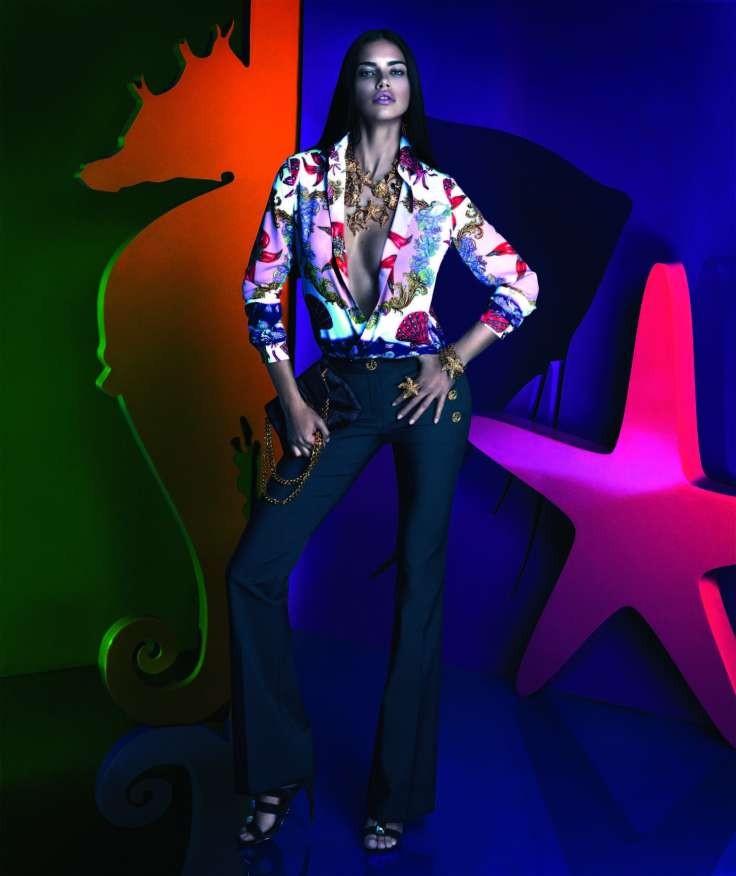 snapshot-adriana-lima-by-mert-alas-and-marcus-piggott-for-versace-x-riachuelo-collection-campaign-5