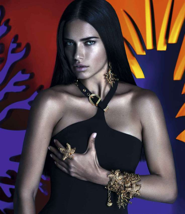 snapshot-adriana-lima-by-mert-alas-and-marcus-piggott-for-versace-x-riachuelo-collection-campaign-6