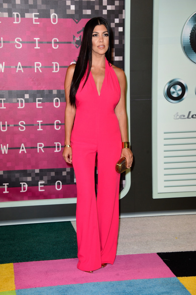 2015-MTV-Video-Music-Awards-Arrivals-kourtney-kardashian-balmain-665x1000